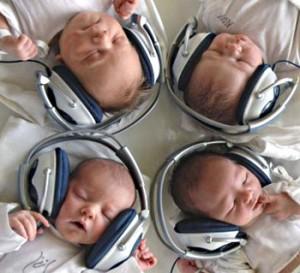 Чем может быть спровоцирован резкий спад слуховой активности?