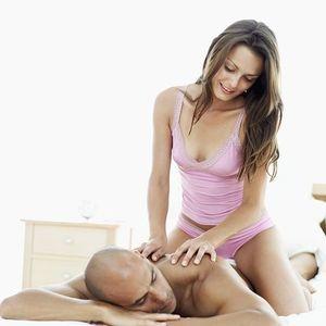 Избавиться от стресса, прибегая к массажу.