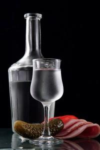 Как и какую правильно употреблять водку?