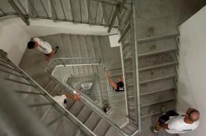 Бегать по лестнице полезно для сердца.