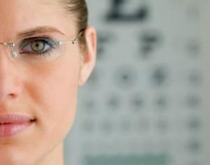 Что выбрать при борьбе с плохим зрением?