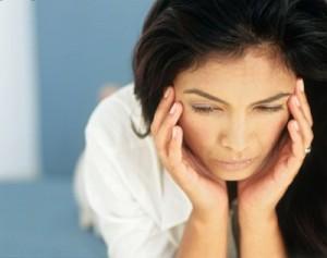 Как борется женщина с болями во время МЦ?