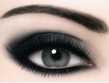 Продолжаем делать макияж в стиле «Smokey eyes»