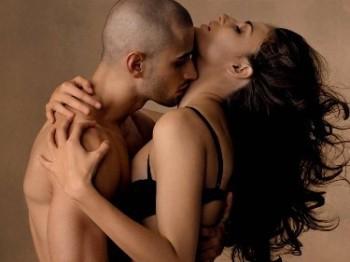 Как на нас влияют поцелуи?