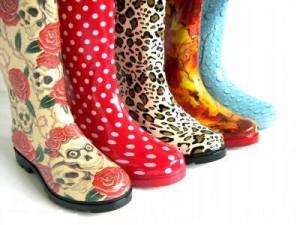 Почему модно носить резиновые сапоги?