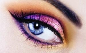 Как следить за ресницами глаз?