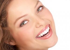 Какие процедуры отбеливания зубов существуют?