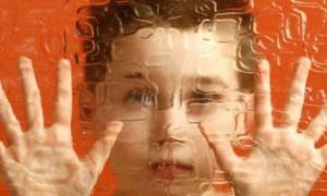 Первые признаки аутизма младенцев